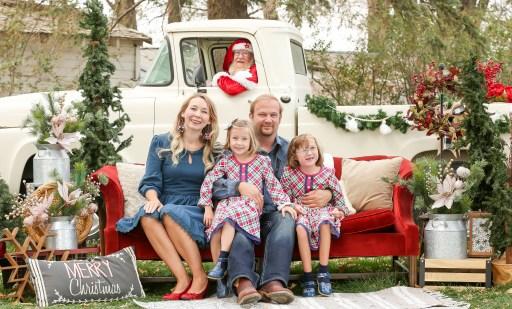 a new twist on Santa photos