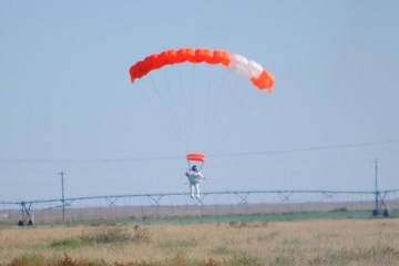 alan eustace google vice president record skydive 26 mile supersonic fall
