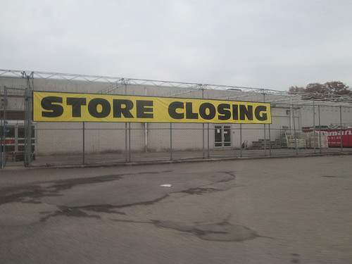 store closed photo