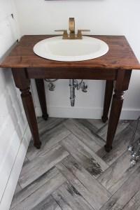 DIY Farmhouse Bathroom Vanities - thewhitebuffalostylingco.com