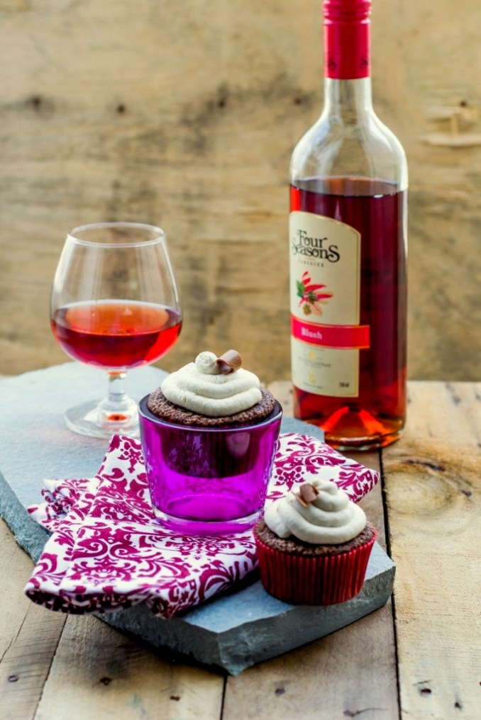 Dark Chocolate & Rosé Wine Cupcakes With Mascarpone