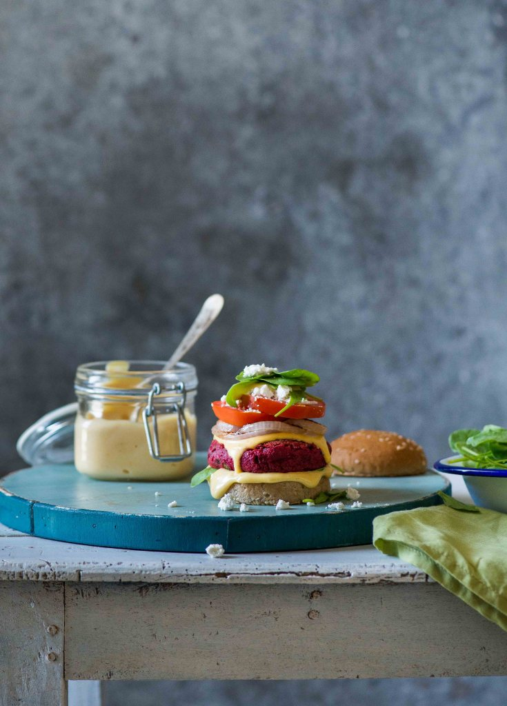 beetroot chickpea burgers