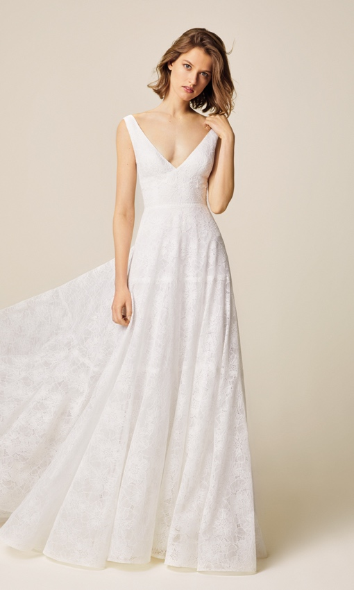 jesus peiro 937 v neck lace gown front