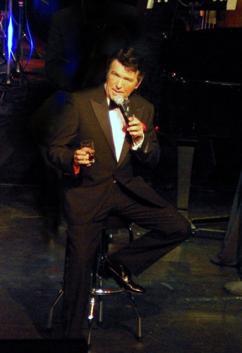 Neil J Duncan as Dean Martin at The White Swan Henley in Arden