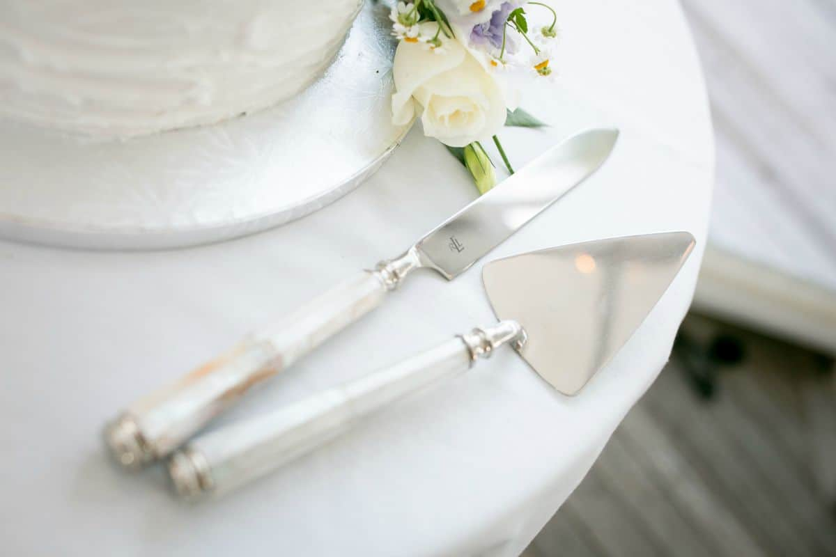 wedding chair hire hamilton nz small desk chairs without wheels ralph lauren cake knife set waikato