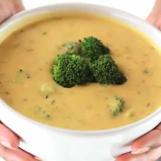 Un-Cheesy Potato Broccoli Soup