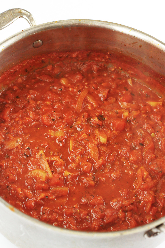 Thick, rich and full of flavor, this Fire Roasted 20-Minute Pasta Sauce will have you giving up your store purchased sauce. Serve it with your favorite pasta, or use it as a pizza sauce.