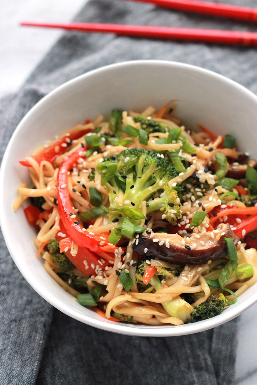 Above bowl of Spicy Teriyaki Ramen with Sriracha