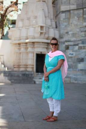 What-to-wear-in-India-female-traveler-Udaipur