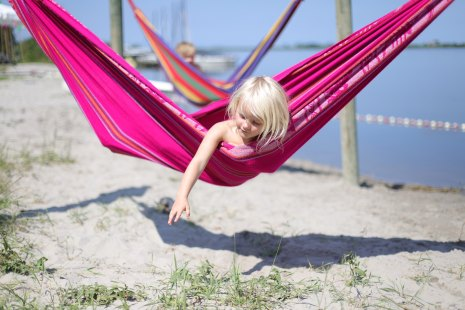 Isa loves the hammock. And color!