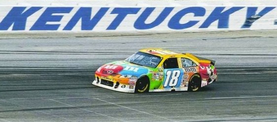 kyle-busch-races-to-victory-kentucky