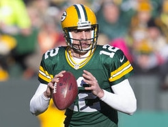 aaron-rodgers-throws-for-green-bay-packers