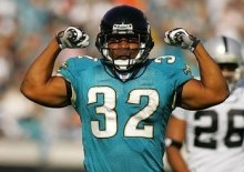 maurice-jones-drew-flexes-his-muscles