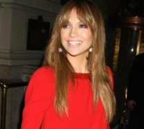 jennifer-lopez-smiling-and-wearing-red