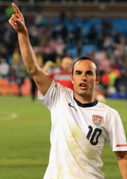 landon-donovan-celebrates-winning-goal-over-algeria
