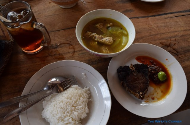Fried fish, Spicy fish soup with hot sambal