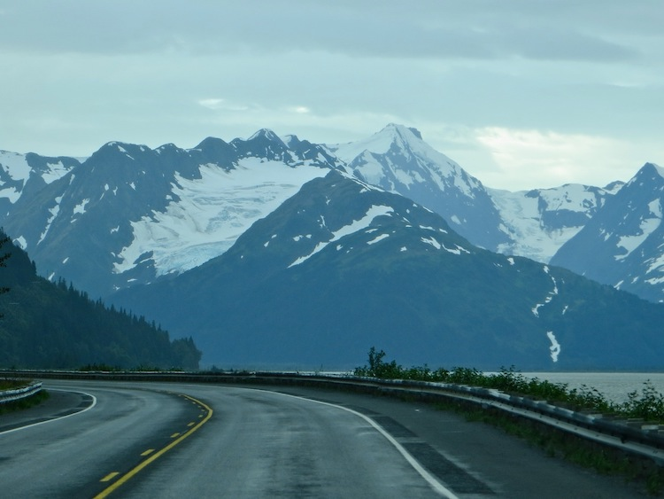 Mountains and Glaciers on AK Hwy 1 to Whittier