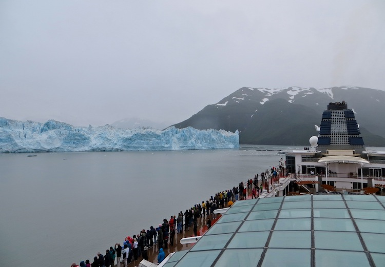 Viewing Hubbard Glacier from cruise ship