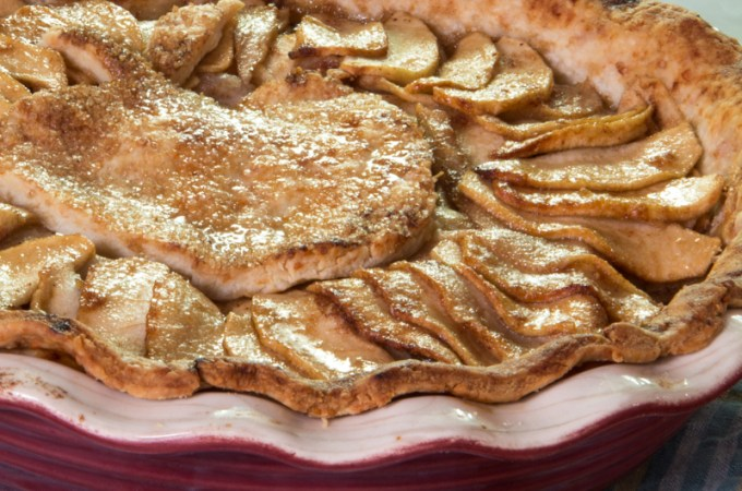 hot buttered rum apple pie