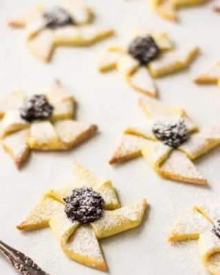 Cookies From Around the World: Scandinavian Christmas Cookies