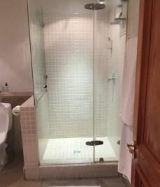 Bathroom-at-de-zalze-lodge