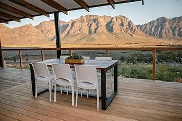 Opstal Accommodation Slanghoek views