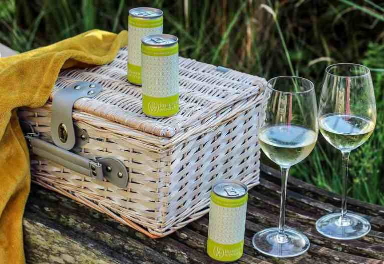 wine in a can by robertson winery