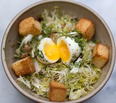 Salade Lyonnaise - Bistro Jeanty