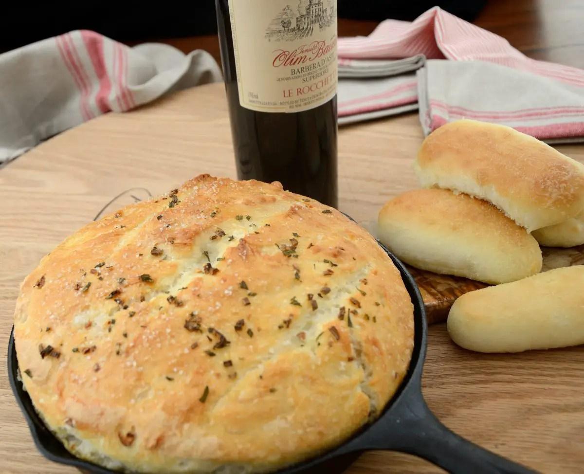 no-knead-rosemary-garlic-bread