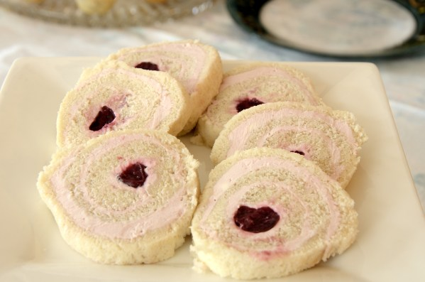 cherry-cream-cheese-sandwich