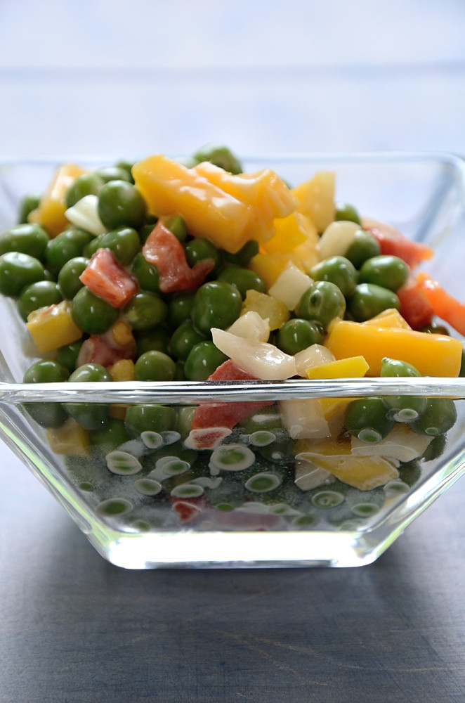 This Creamy Garden Pea and Mango Salad will remind you of peas right out of the pod!  I used to love eating peas fresh out of the pod from the garden!