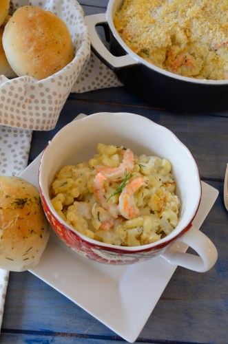 rolls-with-seafood-mac