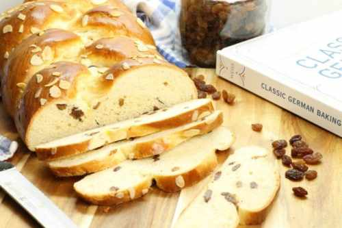 Easter-Rosinenbrot-Raisin-Bread