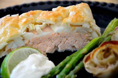 Salmon cooked in puff pastry with fennel