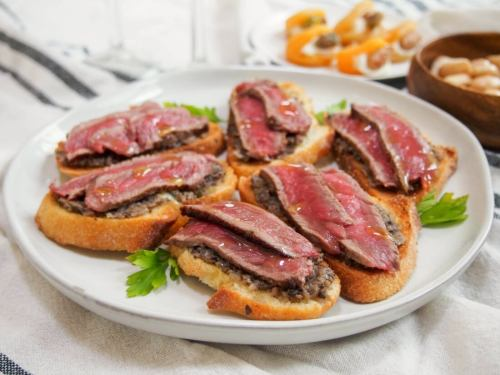 Steak Crostinis