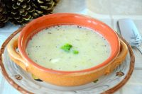 Bowl of creamy leek and potato soup
