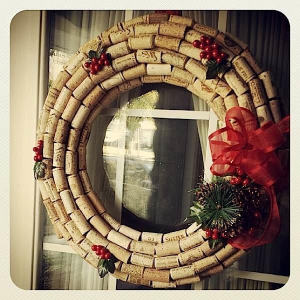 webWinecork wreath