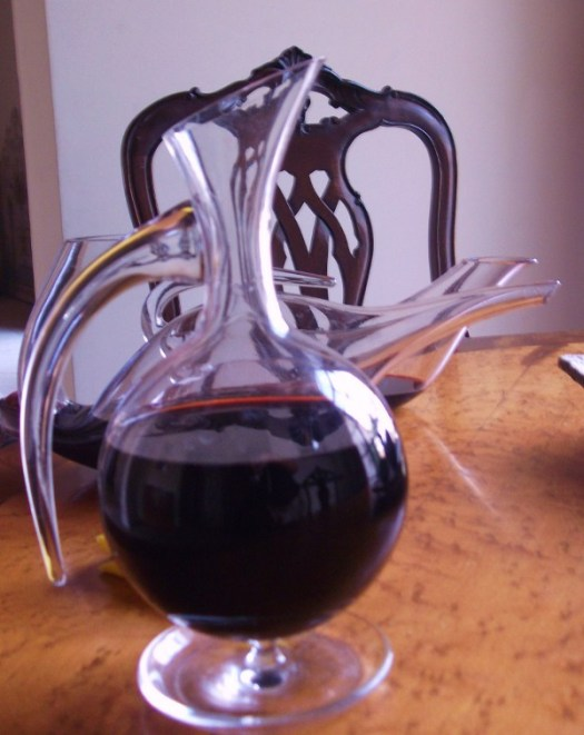 decanters decanting at Quinta do Noval