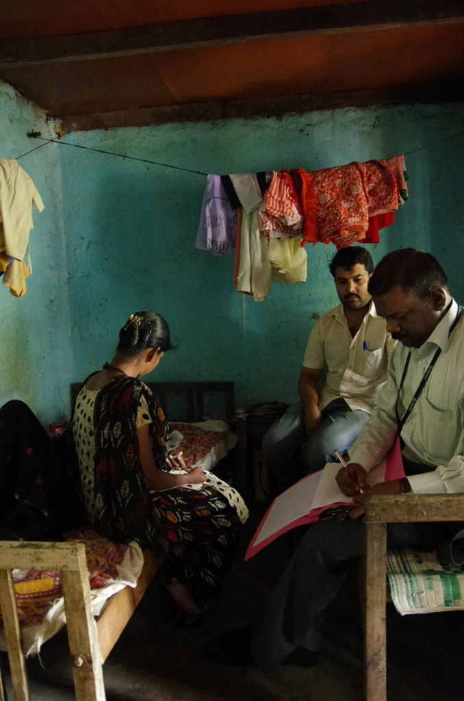 Palliative care in Kerala-home visit of the team. Credit: New Delhices/Flickr CC BY-NC-ND 2.0