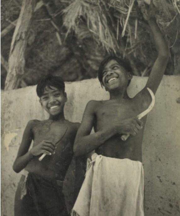 Farm children. Credit: Sunil Janah. From the Swaraj Art Archive
