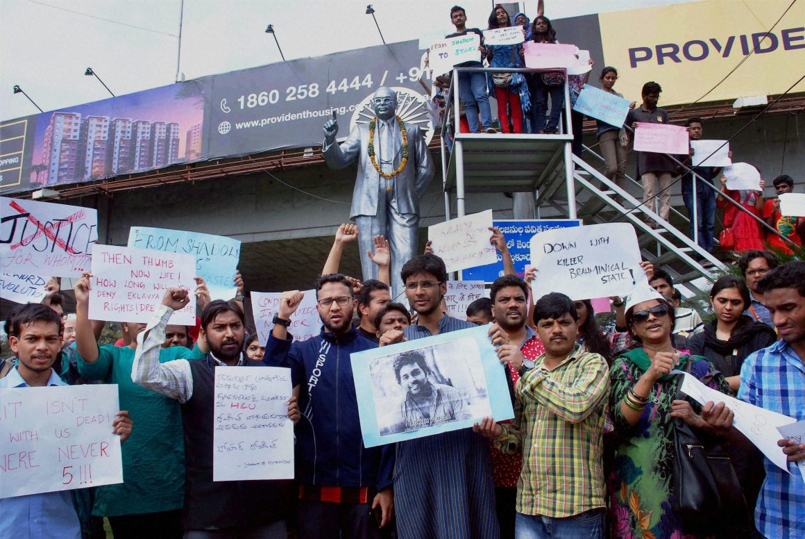 Students of HCU (Hyderabad Central University) holding a protest demanding justice for Rohith Vemmula, who committed suicide, at Tank Bund on the banks of Hussain Sagar Lake in Hyderabad on Tuesday. Credit: PTI