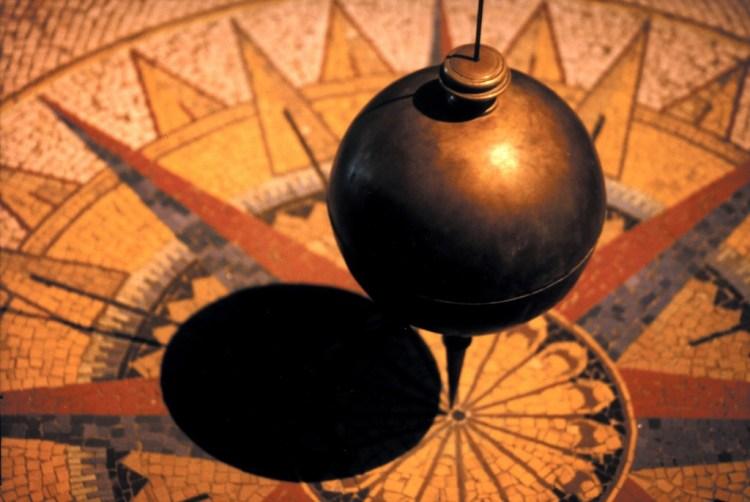 Foucault's Pendulum, at  the Museo Nazionale della Scienza e della Tecnologia Leonardo da Vinci, Milan.  Credit: Ben Ostrowsky/Flickr CC 2.0