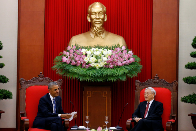 U.S. President Barack Obama (L) attends a bilateral meeting with Vietnam's General Secretary of the Communist Party and National Assembly Chairman Nguyen Phu Trong at Central Office of the Communist Party of Vietnam in Hanoi, Vietnam May 23, 2016. Credit: Reuters/Carlos Barria