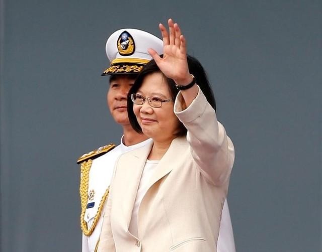 Taiwan's President Tsai Ing-wen waves during an inauguration ceremony in Taipei, Taiwan May 20, 2016. Credit: Reuters/Tyrone Siu