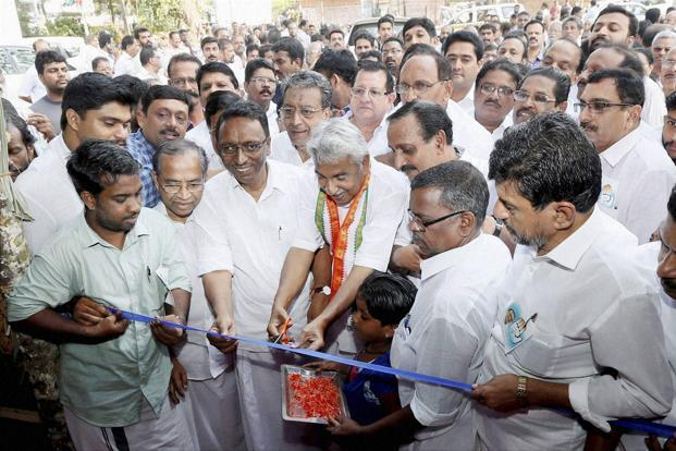 Oommen Chandy inaugurating a campaign office in April. Credit: PTI