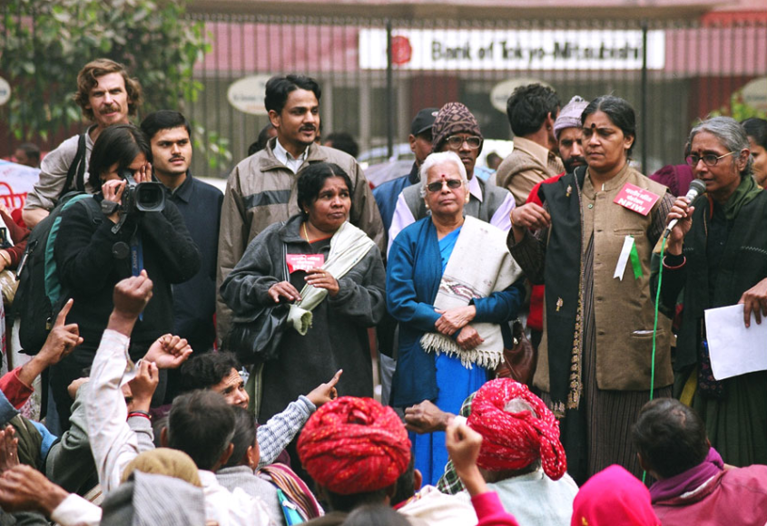 File photo of Aruna Roy addressing a rally. Credit: Hemanshu Kumar/Flickr CC BY-NC-ND 2.0