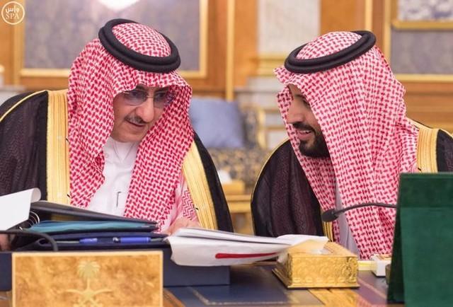 Saudi Crown Prince and Interior Minister Mohammed bin Nayef (L) and Saudi Arabia's Deputy Crown Prince Mohammed bin Salman attend a cabinet meeting in Jeddah, Saudi Arabia June 6, 2016. Credit: Saudi Press Agency/Handout via Reuters