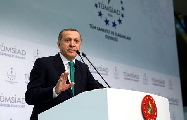 Turkish President Tayyip Erdogan makes a speech during an iftar event in Istanbul, Turkey, June 24, 2016.