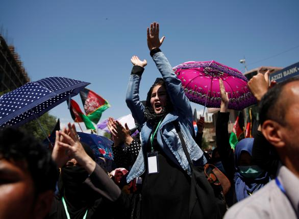 Demonstrators from Afghanistan's Hazara minority attend a protest in Kabul, May 16, 2016. Credit: Reuters/Ahmad Masood