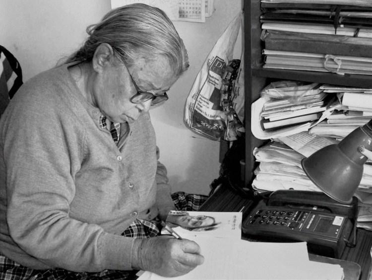 Kolkata: File Photo of noted author and social activist Mahasweta Devi who died at a Hospital in Kolkata on Thursday following prolonged illness. PTI Photo(PTI7_28_2016_000234B) *** Local Caption ***